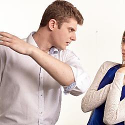 DVによる離婚を検討しているときの証拠は?