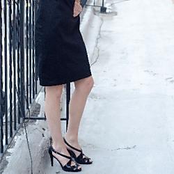 単に女装をして町中を歩くことは法律違反?