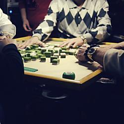 街中にあふれる麻雀荘で賭けマージャンをしたら違法?