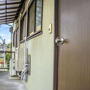 家主が借主の立会いなく、住居に入って排水の修理はできるでしょうか?