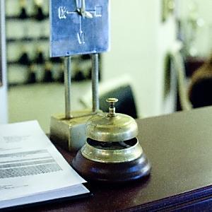 無銭宿泊。ホテルは客の残置物から宿泊費用を捻出できる?